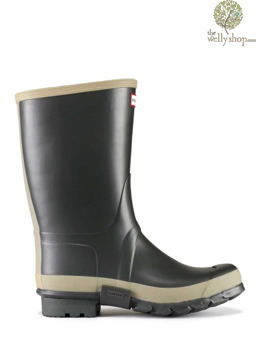 Hunter Gardener Wellington Boots Dark Olive with Sole Dig Pad